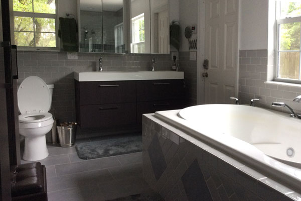 Deland Plumber creates 4-piece master bedroom bathroom or ensuite